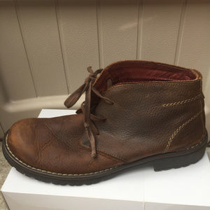 Clarks Roar Leather Chukka Boots